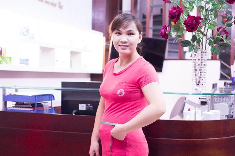 """""""Giảm 7 cm vòng eo sau gần ba tháng là điều tuyệt vời với tôi"""" – chị Hạnh nói"""